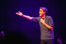 Videoconcert Matthijn Buwalda: Rechtop Mens