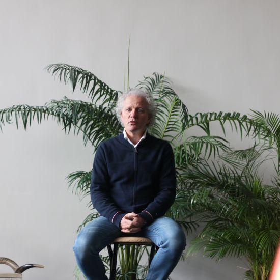 Eindtijd in beeld conferentie met Leen Koster