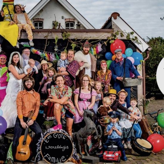 Trinity Wereldwijs: De Grote Familie tour