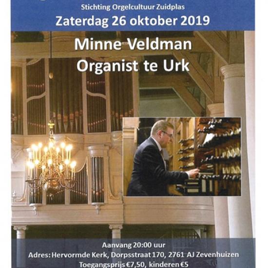 Minne Veldman bespeelt orgel Dorpskerk Zevenhuizen