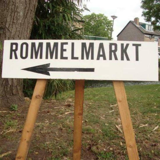 Rommelmarkt Hervormde kerk Zevenhuizen