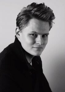 Jonge tenor op Marktconcert