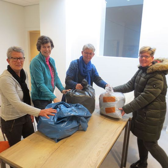 Kledinginzamelingsactie kledingbank Rotterdam