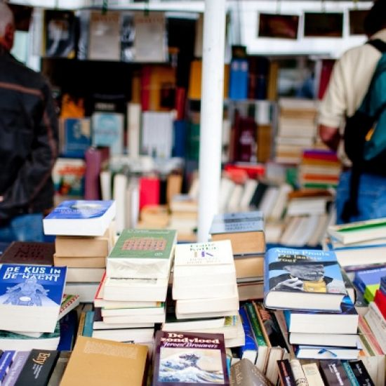 Maandelijkse boekenmarkt in de Caeciliakerk