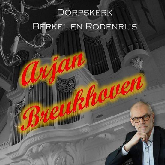 Arjan Breukhoven bespeelt orgel van De Dorpskerk van Berkel