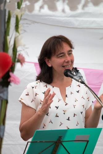Esther van Schie 'dominee van een sokkenkerk'