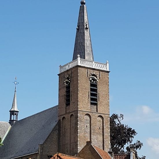 Kerktoren in ere hersteld